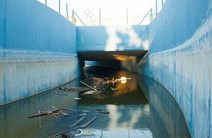 Túnel inferior del circuito de Fórmula Uno junto al vioejo cauce del río Turia. Foto: Juanjo Hernández