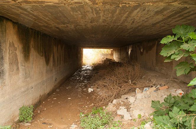 Túnel bajo la vía de la zona posterior a la nueva Fe. Foto: Juanjo Hernández