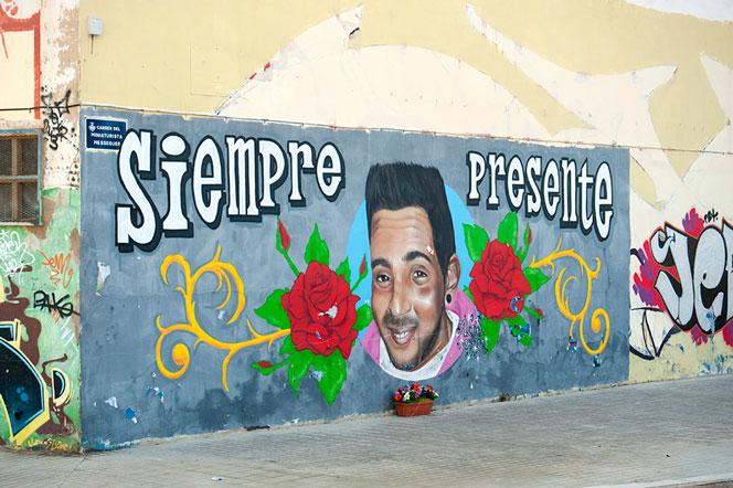 Grafiti en la calle Miniaturista Messeguer. Foto: Juanjo Hernández
