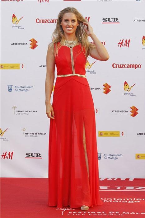 Manuela Vellés prefirió lacarse, en vez de maquillarse.