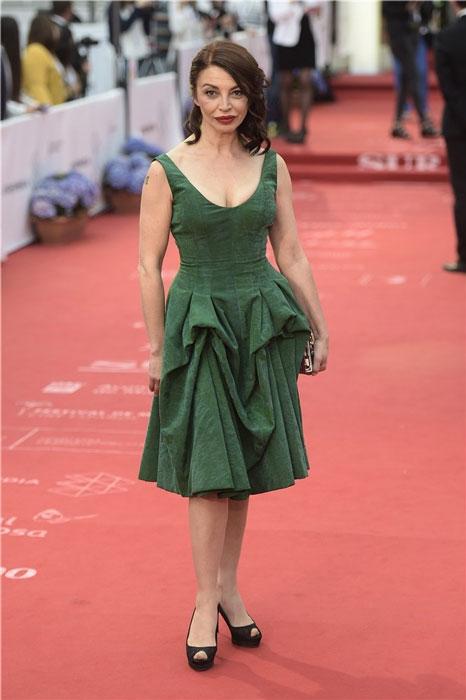Si el cine anglosajón tiene a Helena Bonham Carter, nosotros nos hemos de conformar con Neus Asensi.