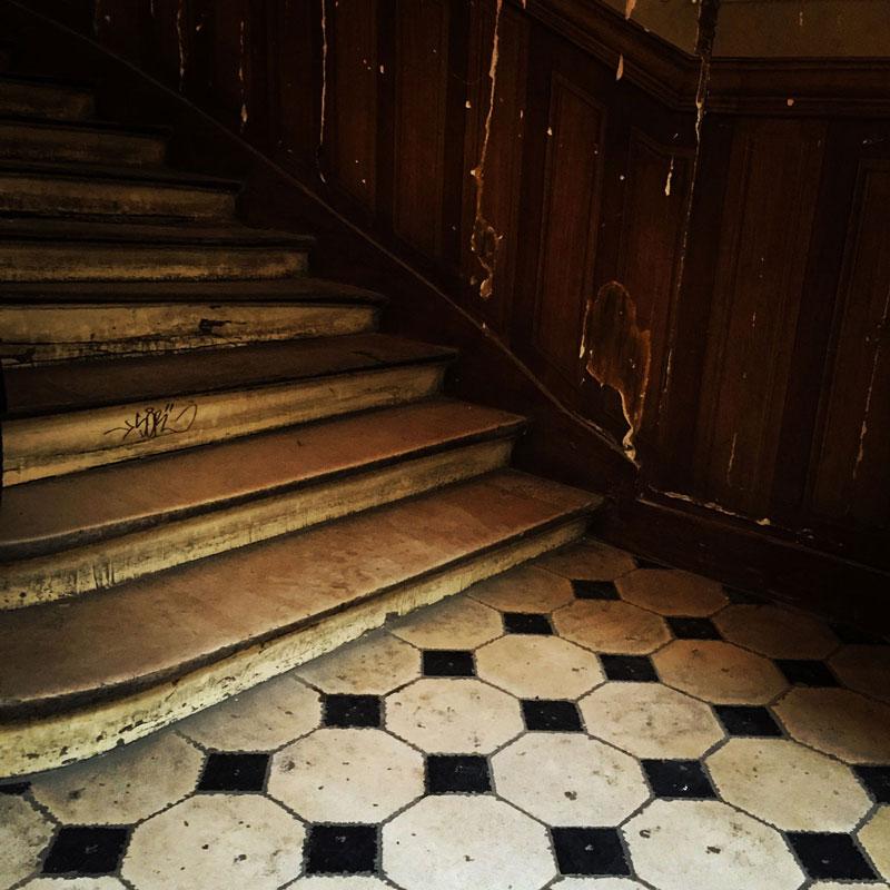 Des escaliers parisiennes ©Nacho Carbó