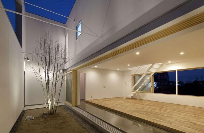 El jardín escondido en la casa minimalista