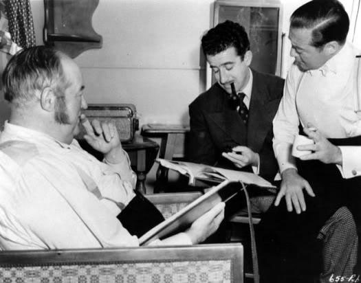 Sydney Greenstreet, Don Siegel y Peter Lorre en El veredicto (1946)