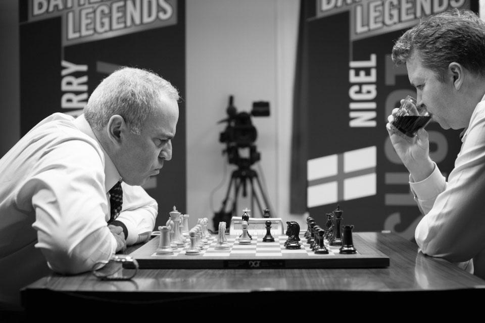 Kasparov en pleno combate contra Short