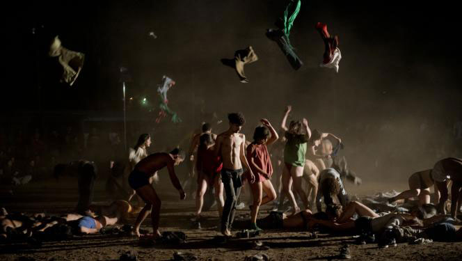 Multitud, de Tamara Cubas. Foto de Carlos Contreras