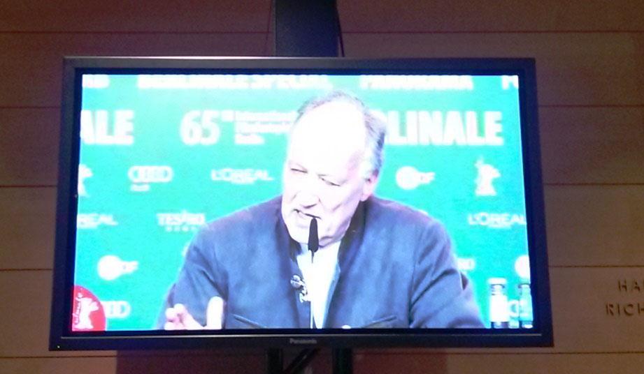 Werner Herzog en conferencia de prensa.
