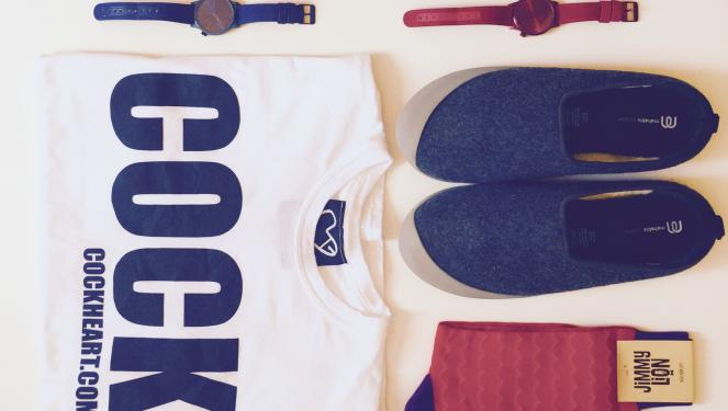 Hyper's Bazaar: camisetas, relojes, pantuflas y calcetines felinos