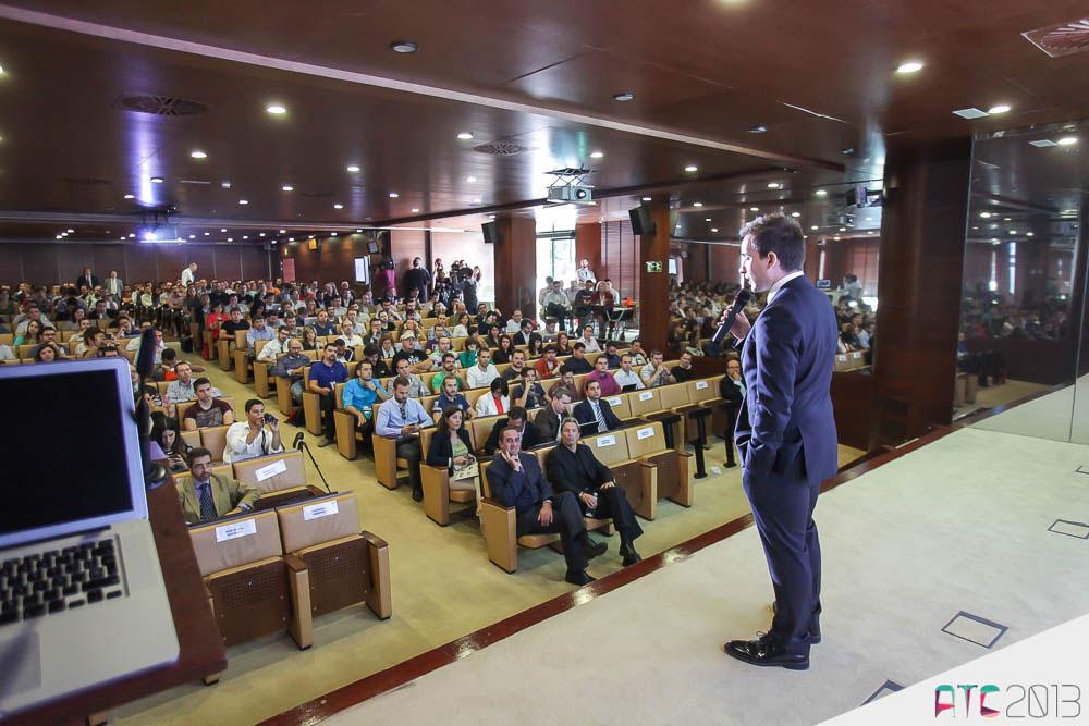 Javier Ortizá en una ponencia de ATC 2013