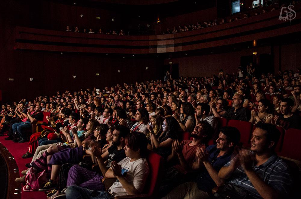 Público del teatre Serrano