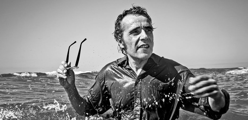 Demian Ortiz: imágenes del escritor sin cigarrillo