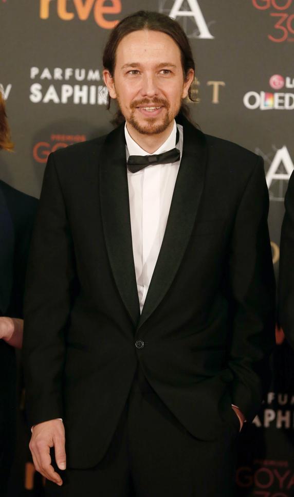 Pablo Iglesias, de modelo de la imagen de la nueva linea de fiesta de Alcampo.