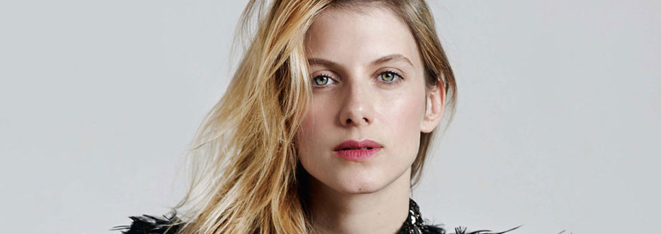 Melanie Laurent – Je Connais