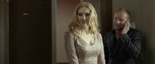"""Paulina Chapko y Richard Dormer en una escena de """"11 Minutes"""""""