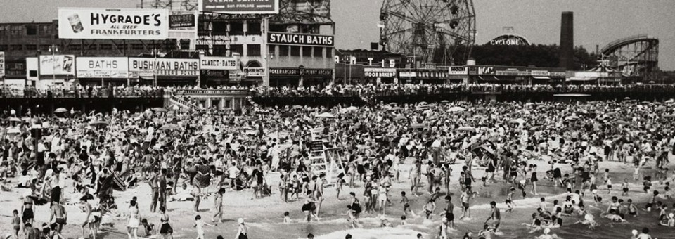 La diversión decadente y contagiosa de Coney Island