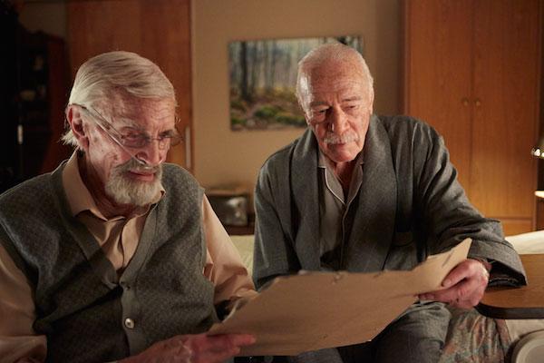 "Cristopher Plummer y Martin Landau en un momento de ""Remember"""