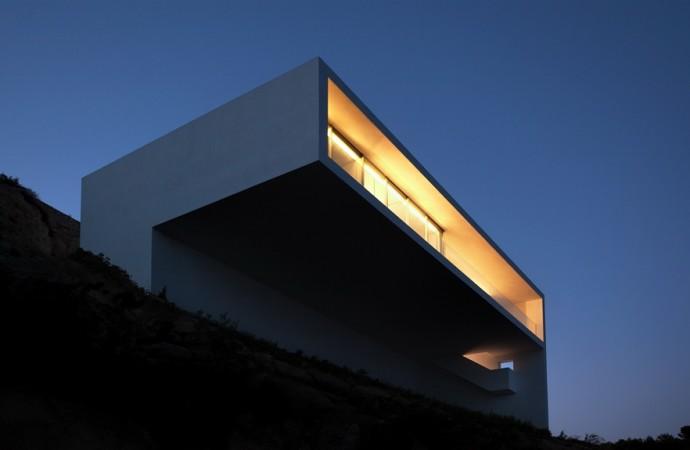 Sensibilidad topográfica, la casa del acantilado