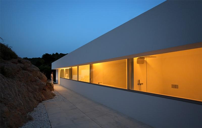 Casa del acantilado en Calpe, Fran Silvestre arquitectos.