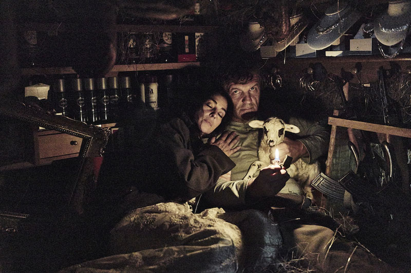 Emir Kusturica y Monica Bellucci en On the Milky Road