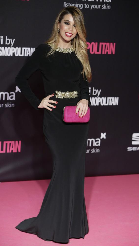 Como si su estilista fuera su madre, la cantante Natalia, echándose 30 años encima en un santiamén.