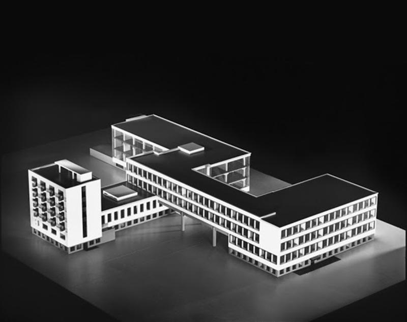 © Escuela de diseño Bauhaus, Dessau (Alemania). Fotografía Thomas Lewandovski.