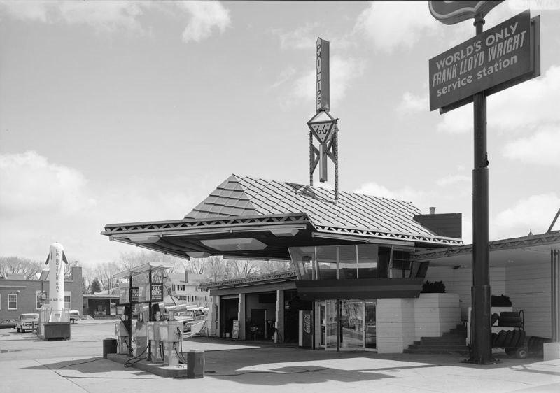 Gasolinera en Minnesota (EE.UU). Arquitecto Frank Lloyd Wright.