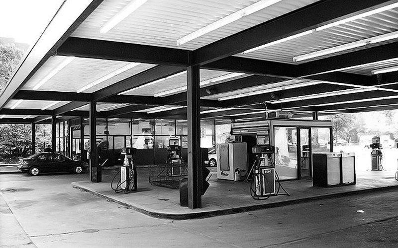 Gasolinera en Nun Island (Canadá), 1966. Arquitecto Mies Van Der Rohe.