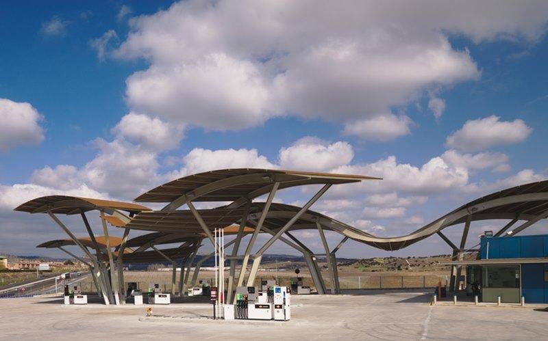 Gasolinera en la Sierra de Guadalix (Madrid), 2008. Estudio Moneo Brock.