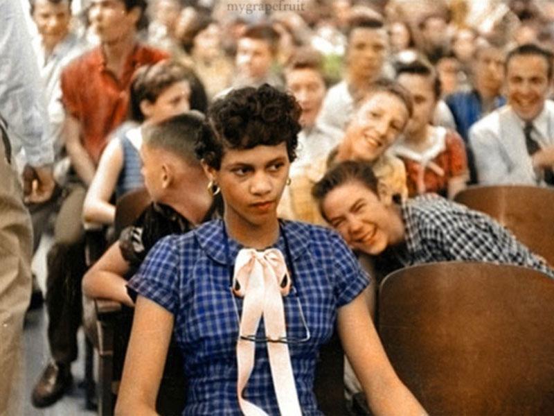 Dorothy Counts en el aula (de blancos)