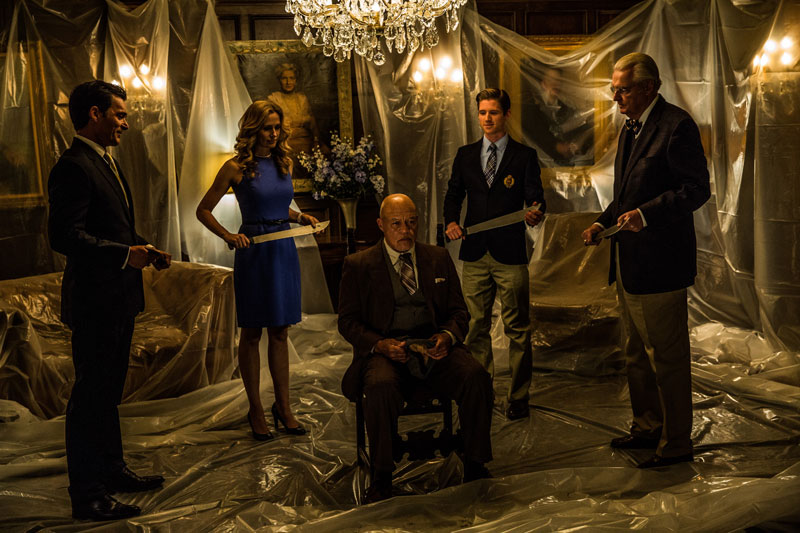 Ricos la noche de la purga: lo importante es no manchar el sofá Luis XVI: Anarchy, de Monaco, 2014