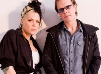 Beth Hart & Joe Bonamassa – Your Heart Is As Black As Night