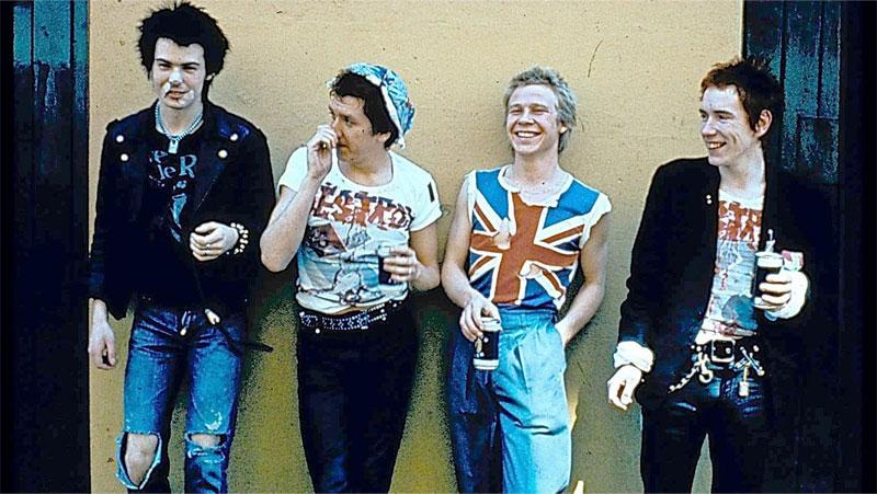 El punk de los Sex Pistols tuvo momentos de honestidad pero también mercadotecnia arty en la antecámara