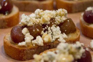 aceitunas-queso-azul-pasas-gastronomia-elhype