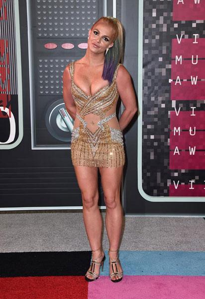 Britney, cada vez más cerca de ser la Ana Obregón de Norteamérica