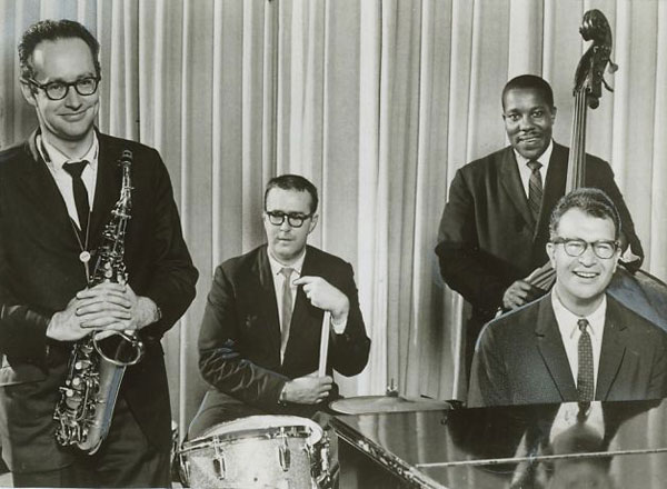 Brubeck, Joe Morello, Paul Desmond y Wright