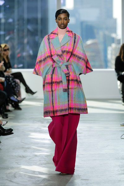 ¿Algún voluntario con tarjeta opaca me financia este abrigo-albornoz?