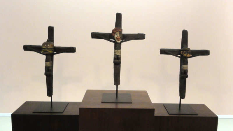 Los Hermanos Chapman. Crucifijos