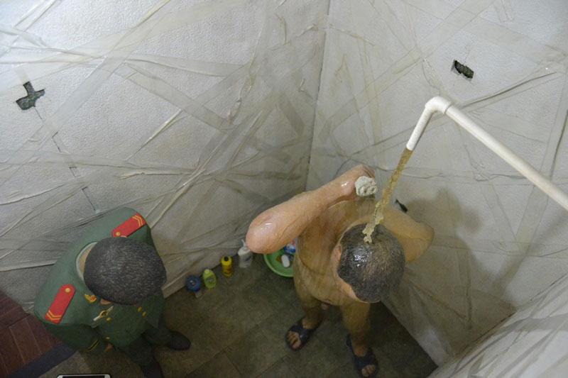 © Interior celda Cleaning (limpieza) de Ai Wei. Fotografía sjll.