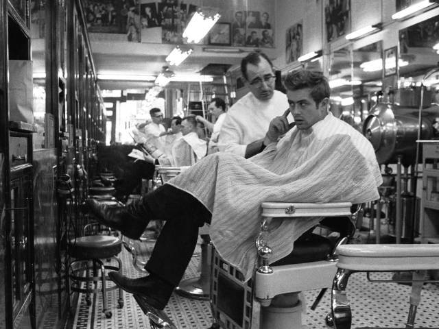 James Dean en la barbería
