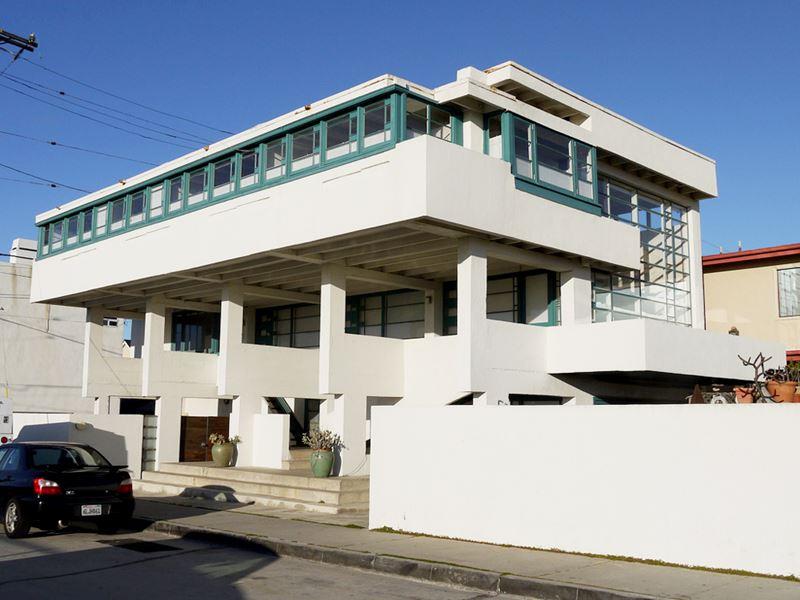 Casa Lovell en la playa para el doctor Lovell, del arquitecto austríaco Rudolf Schindler.