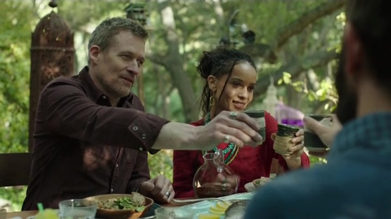 Big little lies, serie HBO. Vivienda Bonnie (Zoe Kravitz) y Nathan (James Tupper).