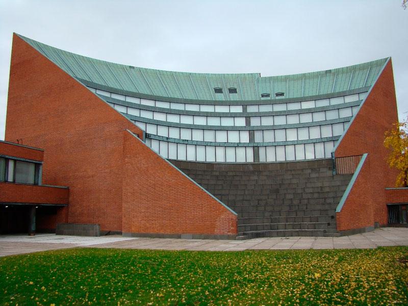 Alvar Aalto. Auditorio en el campus de la Universidad Otaniem, 1961-1964.