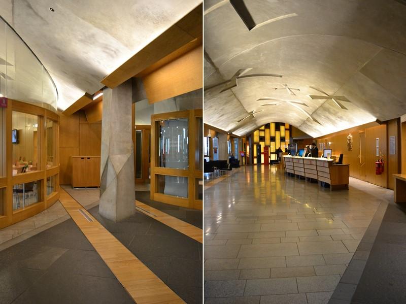 Hall de entrada del Edificio del Parlamento de Edimburgo, arquitecto Enric Miralles. © Fotografía SJLL.