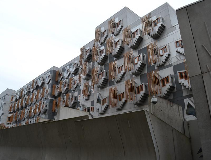Edificio de los Parlamentarios de Edimburgo, arquitecto Enric Miralles. © Fotografía SJLL.