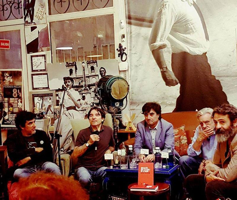 Presentación de Disculpen que les hable de la radio, en Librería Ocho y Medio (Madrid).