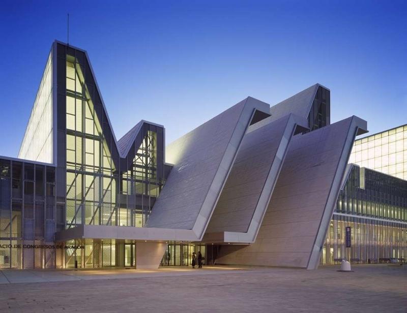 Nieto y Sobejano arquitectos. Palacio de Congresos Expo Zaragoza 2008. © Fotografía Roland Halbe.