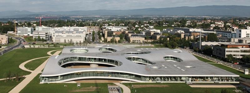 SANAA, arquitectos. Centro de aprendizaje Rólex en Suiza. © Fotografía EPFL/Alain Herzog.