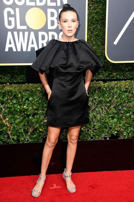 Millie Bobbie Brown ha tenido looks más inspirados que este Calvin Klein by Appointment, pero su compromiso supone un valioso ejemplo para las adolescentes que han seguido la gala.