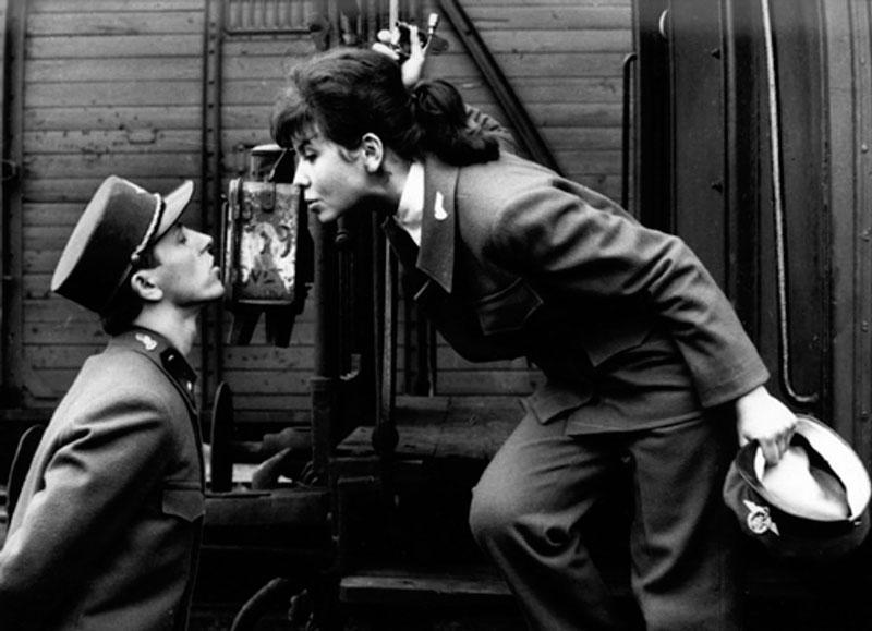 Trenes rigurosamente vigilados (Jiří Menzel, 1966)