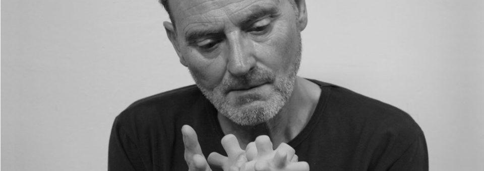 Miquel Navarro y sus poemas de la mirada
